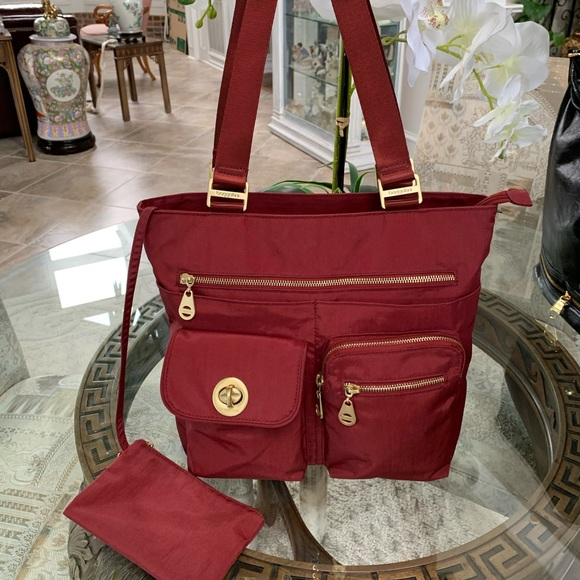Baggallini Handbags - BAGGALLINI NYLON TOTE BAG! ❤️